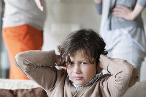 50% trẻ phát triển rối loạn tâm lý khi chứng kiến cha mẹ say xỉn