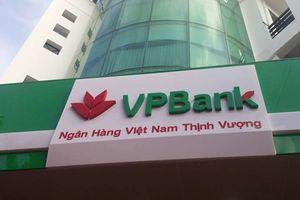 Chủ tịch VPBank và mẹ muốn 'bắt đáy' gom 21 triệu cổ phiếu VPB