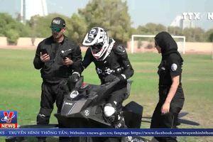 Cảnh sát Dubai lái xe bay tuần tra tội phạm