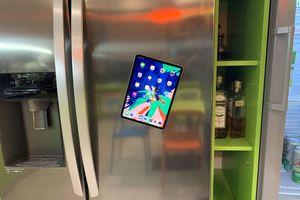 Chiếc iPad Pro mới của Apple có thể dính chặt vào nhiều thứ