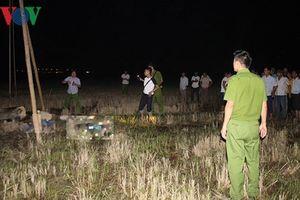 Khởi tố vụ án 4 công nhân bị điện giật tử vong giữa cánh đồng
