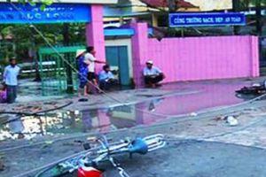 Công an kết luận vụ học sinh bị điện giật trước cổng trường ở Long An