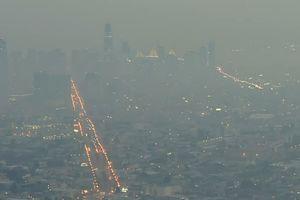 Cháy rừng California: Hơn 1.000 người mất tích, khói độc phát tán hàng trăm km