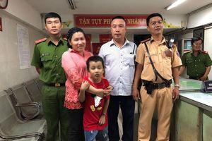Tìm thấy cháu bé 7 tuổi 'mất tích' trong đêm sau trận thắng của đội tuyển Việt Nam