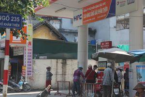 Cận cảnh những 'quả bom' nổ chậm giữa trung tâm Hà Nội: Quận Đống Đa lên tiếng