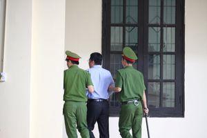 Xét xử vụ đánh bạc nghìn tỷ: Tòa cách ly 'ông trùm' Nguyễn Văn Dương