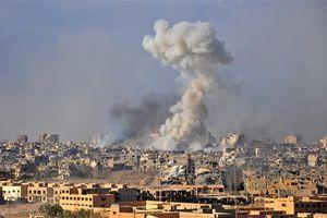 Mỹ đưa tàu sân bay tới Syria, không kích, 40 người thiệt mạng