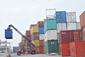 Hàng trăm container hải sản có nguy cơ bị ách