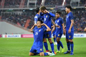 AFF Cup: Tuyển Thái Lan thị uy sức mạnh