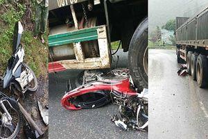 Xe container cuốn 4 xe máy vào gầm, 4 người thương vong