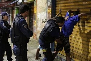 Bạo loạn, giết người tăng đột biến khi cảnh sát đình công