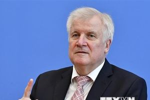 Bộ trưởng Nội vụ Đức thông báo quyết định từ chức Chủ tịch đảng CSU