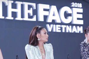 Minh Hằng tự nhận xét phần thi của team mình là 'thảm họa' trong thử thách 'Ngon khó cưỡng' tại tập 6 The Face