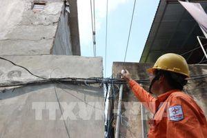 Nhức nhối vi phạm hành lang an toàn lưới điện