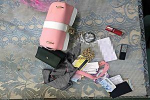 Lên cơn thèm ma túy, thanh niên 18 tuổi đâm nữ nhân viên cướp tài sản
