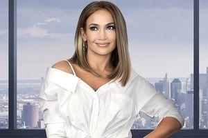 Jennifer Lopez thu hút với vẻ ngoài xinh đẹp, trẻ trung khác lạ