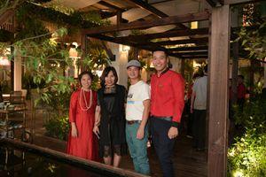 Nghệ sỹ Xuân Bắc, Tự Long háo hức khám phá nhà hàng 3.000 m2 với sân vườn nhiệt đới lớn nhất Hà Nội