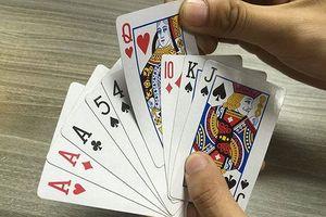 Mang tiền cho bạn mượn để đánh bạc có phải là đồng phạm?