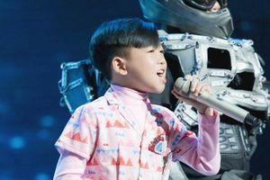 The Voice Kids: Cậu bé 11 tuổi làm mới hit của Trúc Nhân