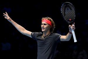 Federer gục ngã trước sao trẻ Zverev tại bán kết ATP Finals