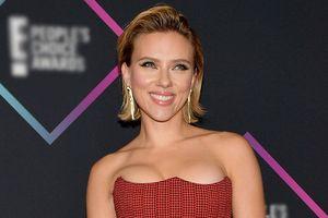 Scarlett Johansson đẹp nhất tuần với trang phục khoe ngực