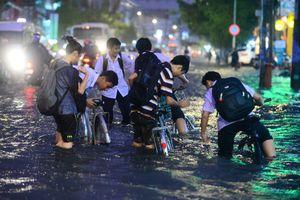 Ảnh hưởng áp thấp nhiệt đới, học sinh Sài Gòn có thể được nghỉ