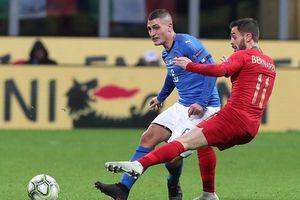 Hàng công bất lực, Italia mất vé vào tay người Bồ