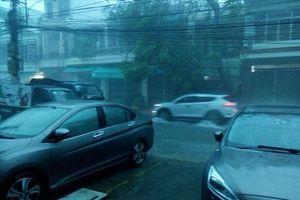 Ảnh hưởng bão số 8: Mưa lớn liên tục, Nha Trang ngập nặng