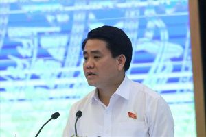 Lát đá vỉa hè Hà Nội: Mỗi quận một ý, không đồng bộ nên có tình trạng 'lát rồi lại đào'