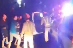 Vụ 'CSGT đánh nhau với tài xế': Thông tin bất ngờ về nhóm người trên xe tải