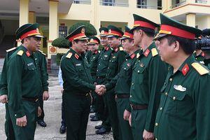 Bộ trưởng Ngô Xuân Lịch thăm, làm việc tại Bộ Chỉ huy Quân sự và Bộ Chỉ huy Bộ đội Biên phòng tỉnh Cao Bằng