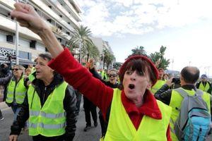 Biểu tình phản đối tăng giá nhiên liệu lan ra khắp nước Pháp