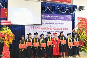 Trường Cao đẳng Quốc tế TPHCM trao bằng tốt nghiệp cho 409 tân khoa