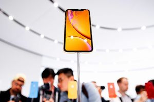 Apple giảm dây chuyền sản xuất iPhone Xr