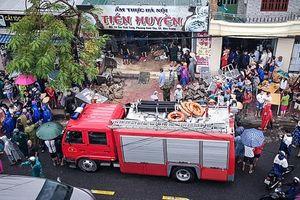Lũ lớn bất thường từ núi đổ xuống khu dân cư ở Nha Trang, 5 người chết