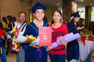 'Thánh chửi' Minh Dự tốt nghiệp Đại học Văn Hiến