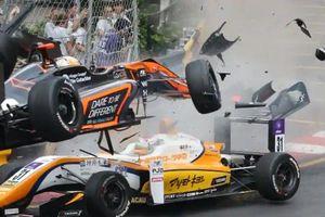 Vụ tai nạn kinh dị ở cuộc đua xe F3 Macau Grand Prix