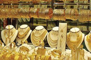 Giá vàng trong nước tăng rất mạnh theo thế giới