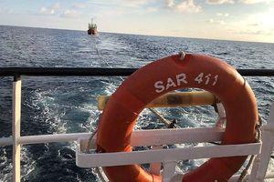 Cứu kịp thời 7 ngư dân Quảng Bình gặp nạn lênh đênh trên biển