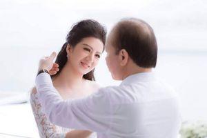 Ngắm nhan sắc ca sĩ vừa kết hôn với Thứ trưởng Bộ tài chính