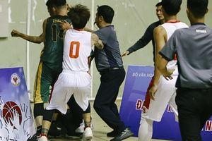 Chính thức : Liên đoàn bóng rổ Việt Nam công bố án phạt tới Lê Văn Đầy và Lê Phước Thắng