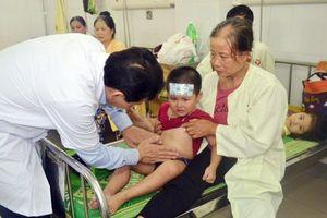 Số trẻ mầm non bị ngộ độc ở Đông Anh tăng lên 223 bé