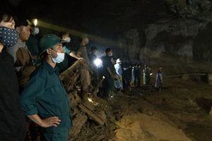 Nỗi ám ảnh kinh hoàng của 5 phu vàng chết hụt trong hang Cột Cờ