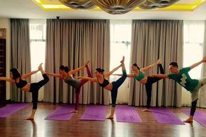 Yoga: chân thêm khỏe với 'tư thế chúa tể của vũ điệu'
