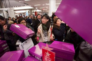 Các nước tổ chức ngày mua sắm Black Friday như thế nào?