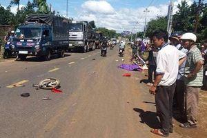 Người đàn ông nghi ôm mìn tự sát giữa đường