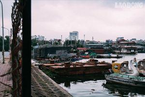 Bến du thuyền hồ Tây xa hoa một thời sao lại biến thành 'nghĩa địa' hoang tàn thế này?