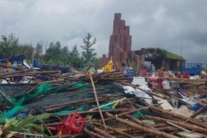 Phú Yên: 150 nhà sập đổ, 1 người chết do sét đánh