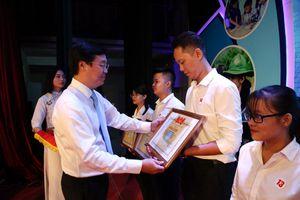 Tuyên dương 49 sinh viên tiêu biểu trong cuộc vận động 'Sinh viên Việt Nam - những câu chuyện đẹp'