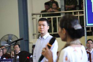 'Vua cờ bạc' Phan Sào Nam khóc nghẹn nói nhà đã bán hết, vợ con đang ở nhà thuê